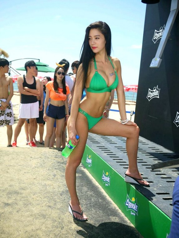 Clara says she gets naked on beaches in Thailand, pics or GTFO