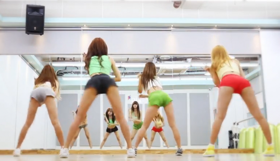 Hello Venus helps your penus to 'Wiggle' with their random dance practice