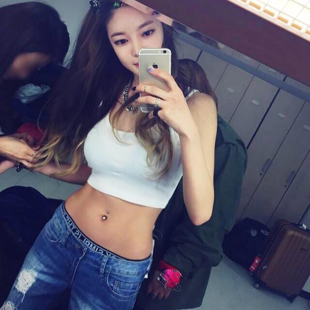 20 Of The Hottest Female K Pop Idol Abs Soompi