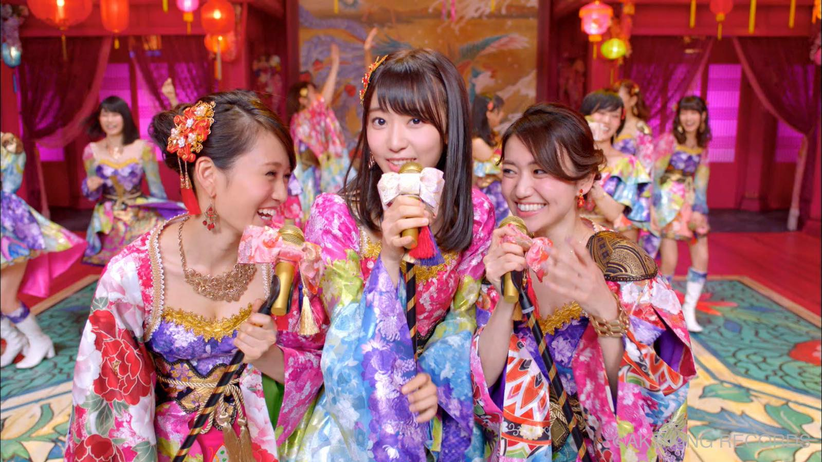"""AKB48's shameless """"Kimi Wa Melody"""" PV is out, members kiss and stuff"""