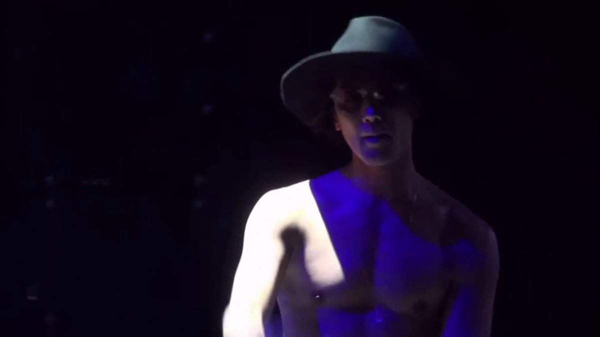 JinAkanishiShirtless3