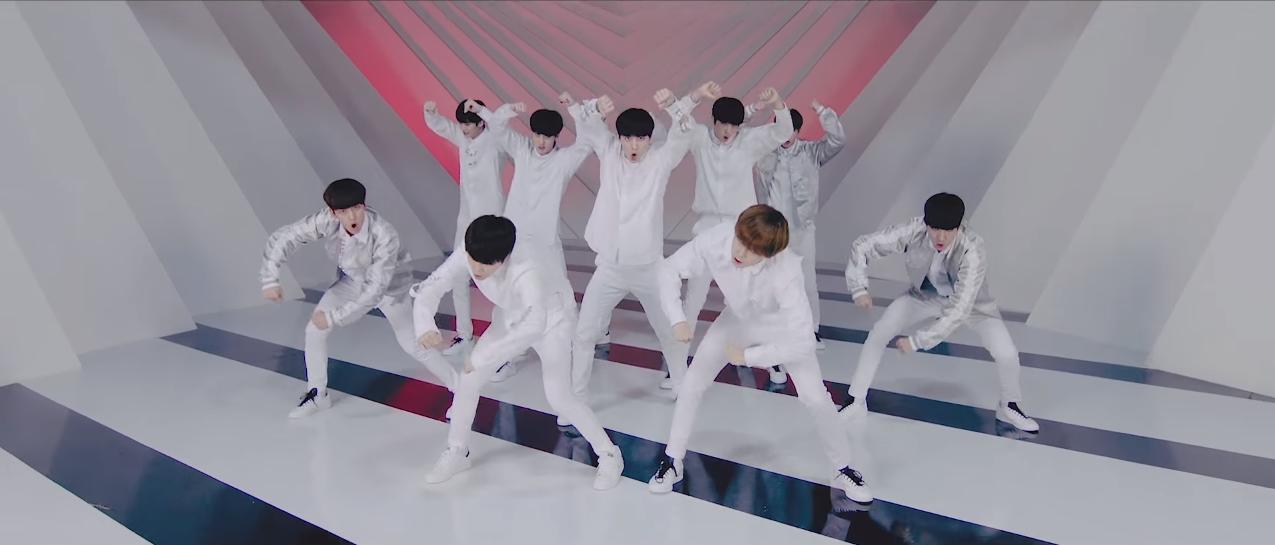 pentagon_gorilla_dance2