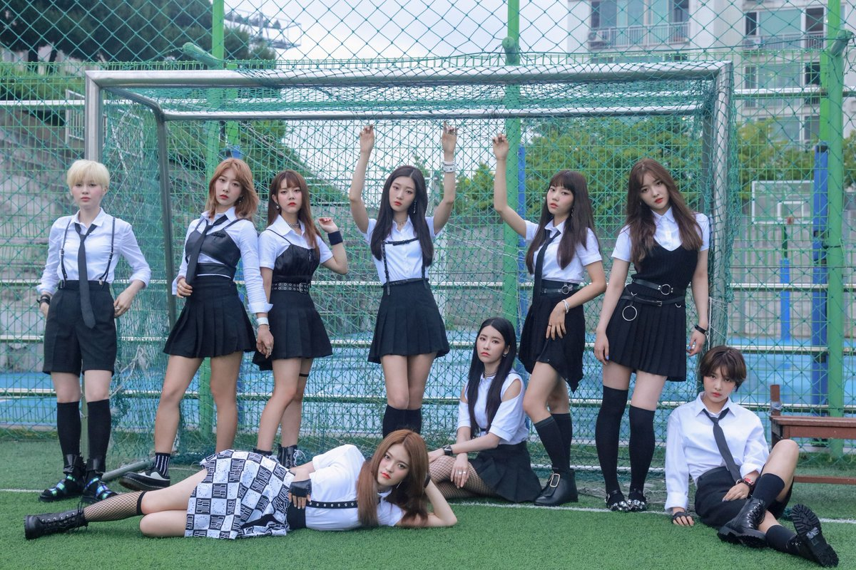 DIA are coming back with a glorious iljin schoolgirl look ...