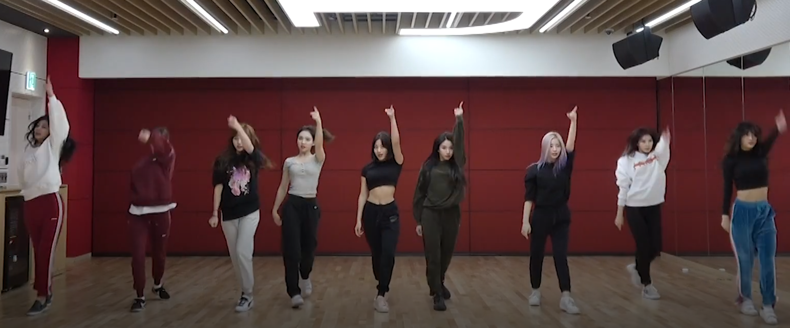 "TWICE's ""Yes Or Yes"" dance practice revealed, starring Jihyo"