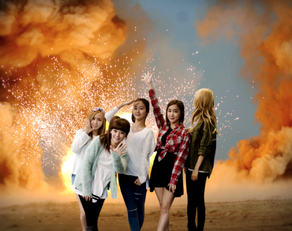 Ellin the type of idol that looks at explosions.