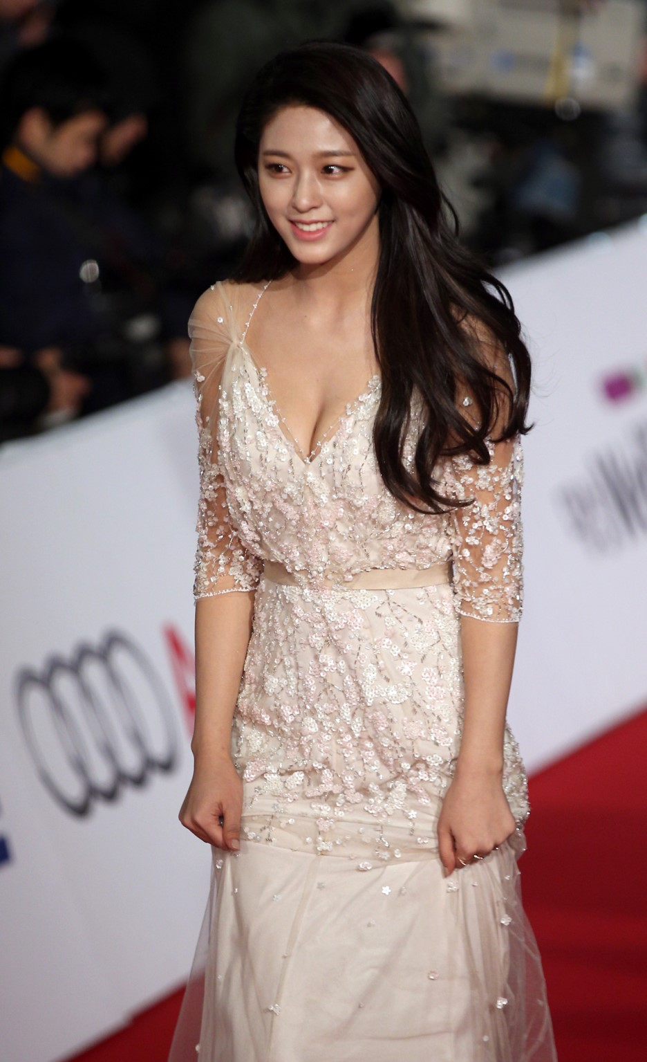 Privacy Policy >> Seolhyun wore a booby dress #GodBless – Asian Junkie