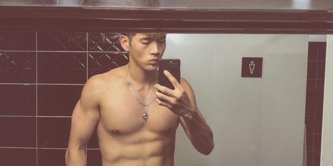 KARD's BM recent bathroom mirror selfie gets step closer